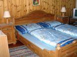 Zimmer gross mit Gitterbett - Urlaub am Bauernhof - Stillerhof Mutters