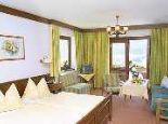 geräumige Wohn-Schlafzimmer  - Hotel Garni Haus Sonnblick Bad Kleinkirchheim