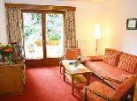 Zimmer mit Wohn-und Schlafraum getrennt  - Hotel Garni Haus Sonnblick Bad Kleinkirchheim