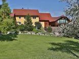 Garten im Frühling - Ferienwohnung Hanetseder Wallern an der Trattnach