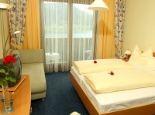 Hotel Ossiacher See**** Doppelzimmer mit Ruhebett und Wohnteil Bild - Hotel Ossiacher See**** Steindorf am Ossiacher See