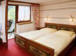 Schlafzimmer Fewo Krinnenspitze 2. Stock - Appartments und Pension Mariandl Nesselwaengle