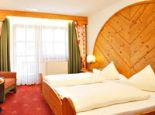 Hotel Garni Granat Dreibettzimmer Bild - Hotel Granat Garni Soelden
