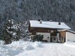 Winterparadies Vals Tage voller Aktion Gemütliche Abende bei kerzenschein und einem Gläschen Südtiroler Wein - Pension Grimmhof Vals