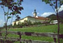 Benediktinerstift St. Georgenberg-Fiecht
