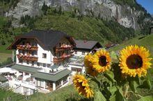 Hotel Hüttenwirt - Ihr Wohlfühlhotel am Dorfplatz