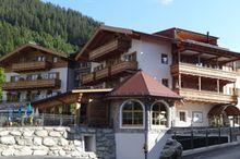 DER KÖNIGSLEITNER Hotel & Chalets