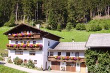 Alpine farm Gröbenhof