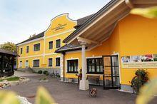Perbersdorfer Heuriger/Heuriger-Hotel