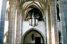 Gotische Pfarrkirche mit Kreuzrippengewölbe