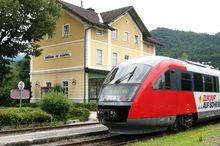 Almtalbahn von Grünau im Almtal via Scharnstein und Pettenbach nach Wels