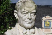 Lehár Denkmal