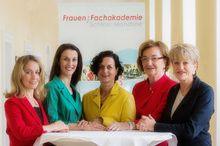Frauen: Fachakademie