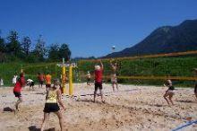 Tennis- und Beachvolleyballplatz