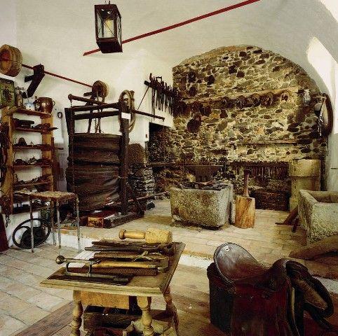 Das 400 Jahre alte Hufschmiedemuseum der Familie Maislinger kann auf Anfrage besichtigt werden. - Engelhartszell Oberoesterreich