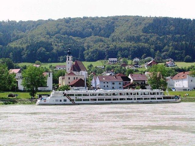 Eine Schiffahrt auf der Donau ist immer ein besonderes Erlebnis! - Engelhartszell Oberoesterreich