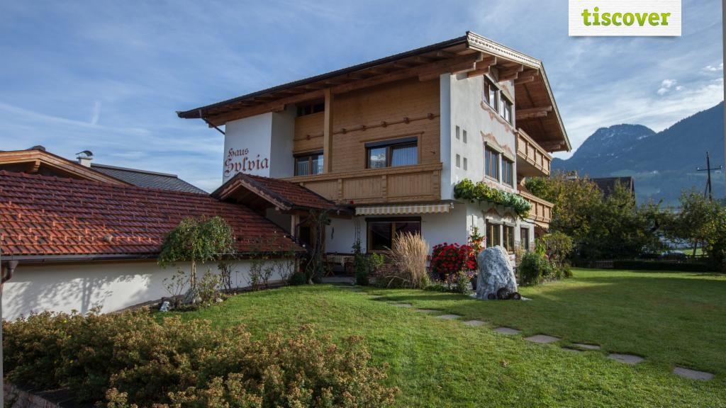 buitenaanzicht s zomers Haus Sylvia Reith im Alpbachtal